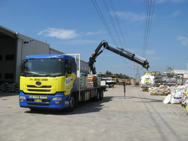 Truck Hire Hour Crane 13mtr 7.5T Payload (52)